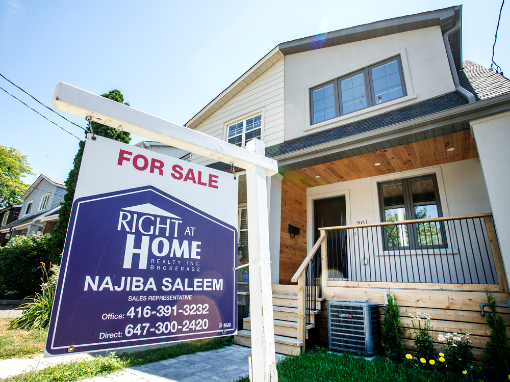 'This is freezing the market': Once roaring, Canadian home sales brace for 30% drop from coronavirus