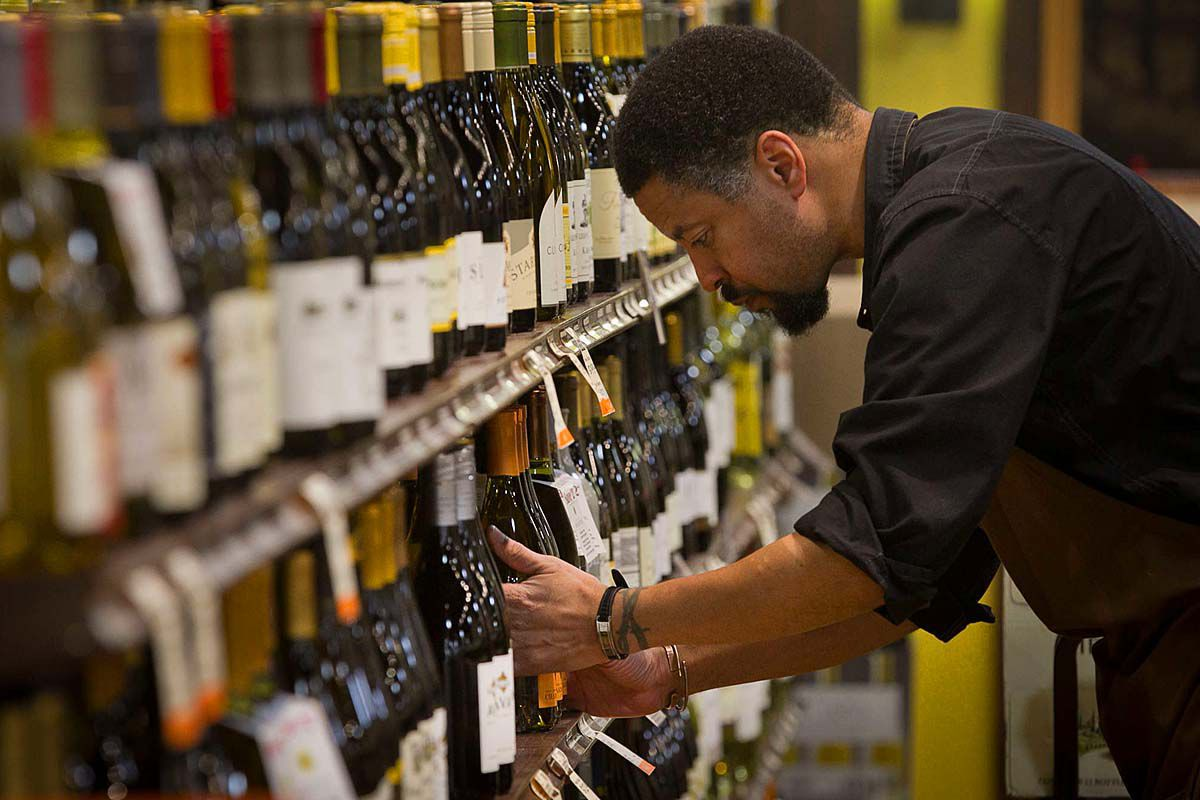 Pennsylvania liquor stores to offer curbside pickup starting Monday