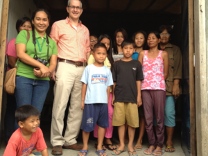 FH's International President Keith Wright and FH Staff Eva Amor with people from Catmon Malabon.