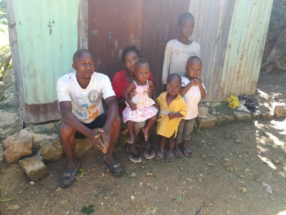 Family in Haiti without access to work