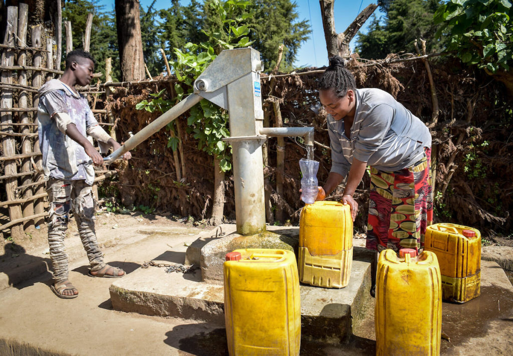 using-the-new-water-hand-pump