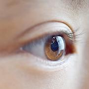 強い日差しにご用心!瞳の紫外線対策
