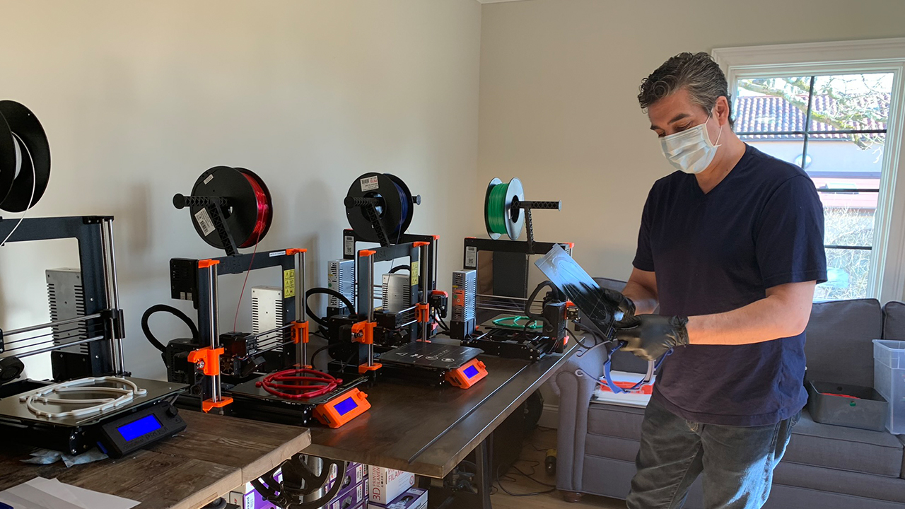 New York man makes face shields for hospital workers with his own 3D printer