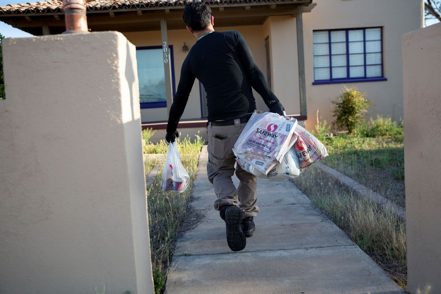 Grocery delivery was supposed to be the ultimate pandemic lifeline. But it's falling short.