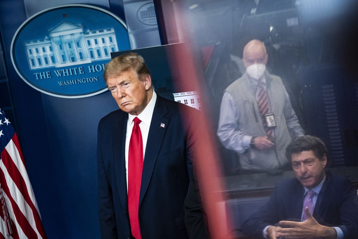 As U.S. discouraged mask use for public, White House team raced to secure face coverings from Taiwan for senior staff