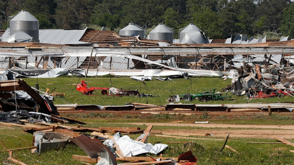 Death toll rises for 2-day outbreak of storms in the South