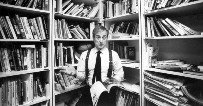 Harold Evans, Crusading Newspaperman With a Second Act, Dies at 92