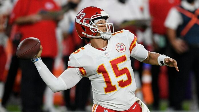 Patrick Mahomes' mother, Randi, jabs announcers over son's name: 'Ugh I may scream'