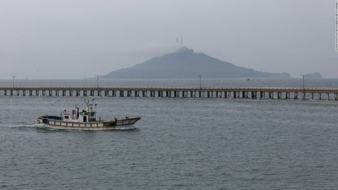 South Korea official shot dead by North Korean troops after crossing border: Seoul
