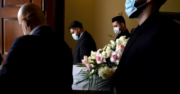 U.S. Covid-19 death toll surpasses 200,000