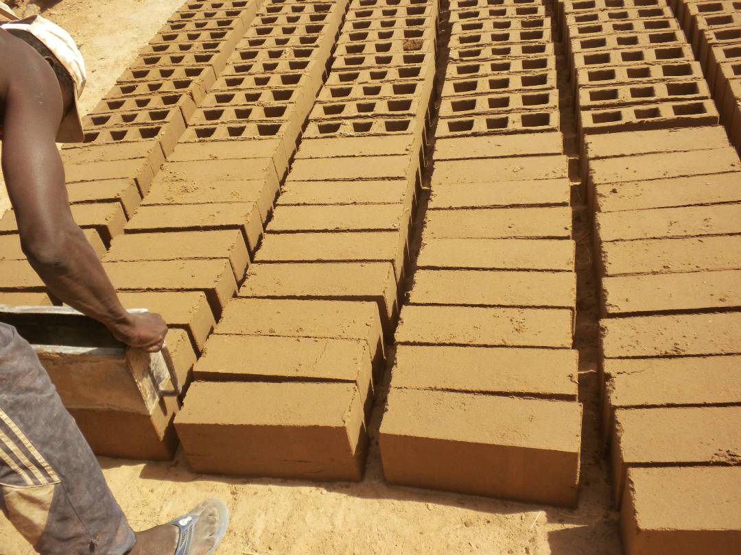 Drying the bricks (Ngar Gueye, Senegal)