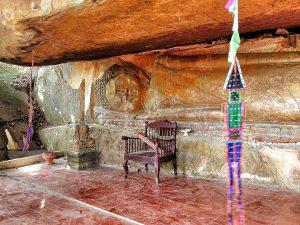 Reclining Buddha in Svey Leu