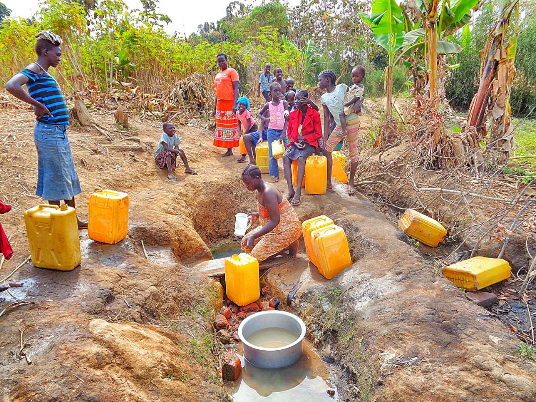 Community around the dirty well